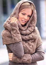 снуд со свитером