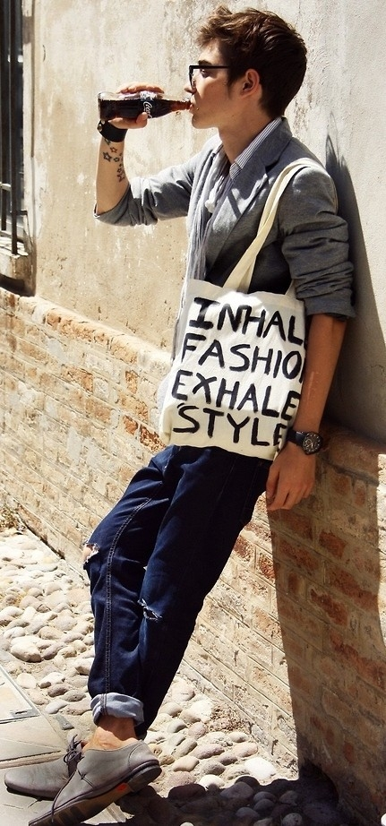 Inhale fashion, exhale style